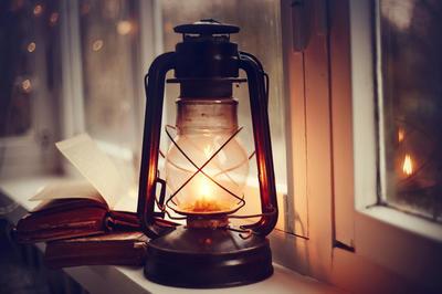 Свет всегда отключают в самый неподходящий момент