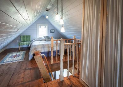 Спальня на чердаке. Фото с сайта remontbp.com