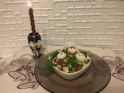 Салат с вялеными томатами и куриной грудкой. Рецепт фото