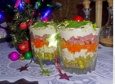 Салат с копченым свиным языком, брынзой и овощами. Пошаговый рецепт приготовления с фото