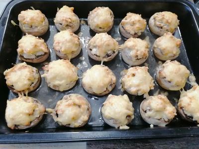 Фаршированные шампиньоны - пошаговый рецепт приготовления с фото