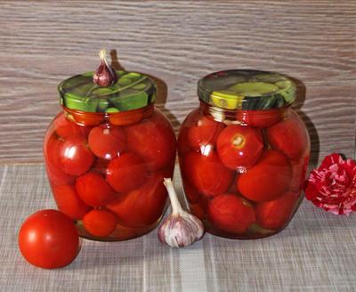 Маринованные помидоры с чесноком на зиму. Рецепт приготовления с фото