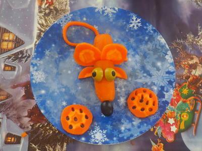 Мышка из моркови - украшение для салата. Пошаговые фото