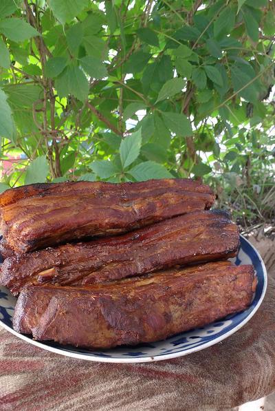Копченые свиные рёбрышки. Рецепт домашнего приготовления с фотографиями