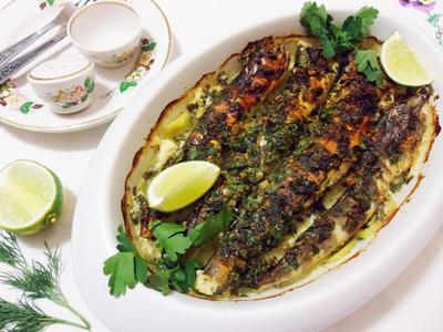 Запеченная ледяная рыба под пикантным соусом - пошаговый рецепт приготовления с фото