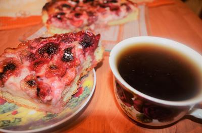 Клубничный пирог со сметанной заливкой - пошаговый рецепт приготовления с фото