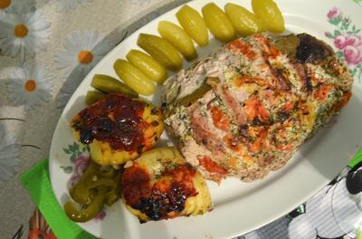 Рецепт запеченного мяса: свиная шейка с помидорами, чесноком и пряными травами. Пошаговые фото