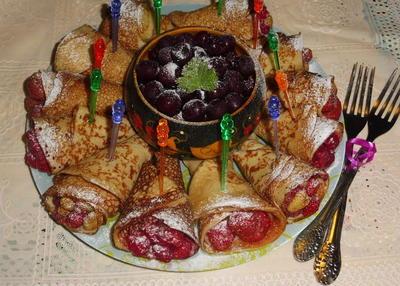 Блинчики на топленом молоке с начинкой из ягод. Пошаговый рецепт с фото