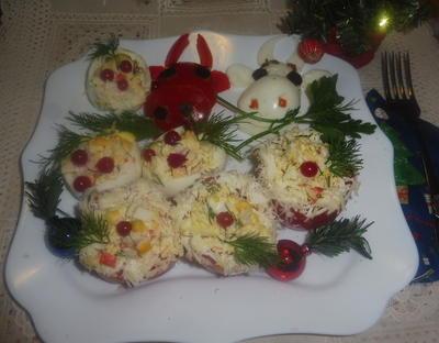 Фаршированные яйца и томаты. Пошаговый рецепт закуски с фото