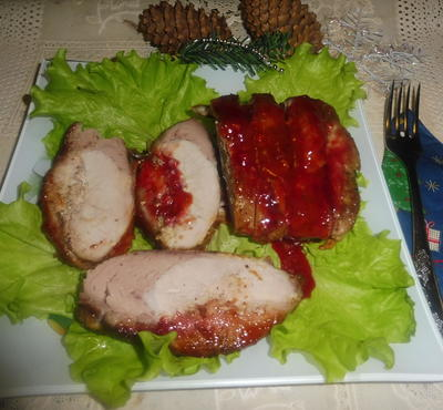 Свинина, запеченная в медово-брусничном соусе. Рецепт приготовления с пошаговыми фотографиями