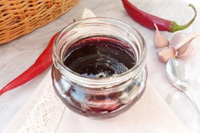 Пряный соус из красного крыжовника - пошаговый рецепт приготовления с фото