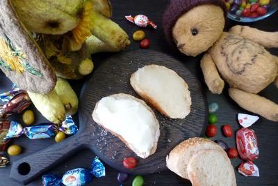 Бутерброды с сахаром и сметаной - пошаговый рецепт приготовления с фото