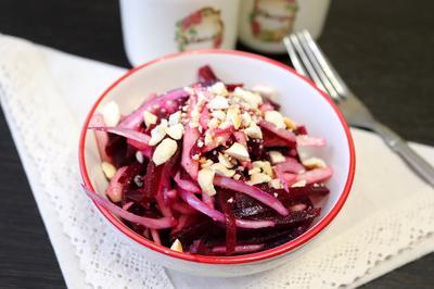 Салат со свеклой, яблоком и кешью - пошаговый рецепт приготовления с фото