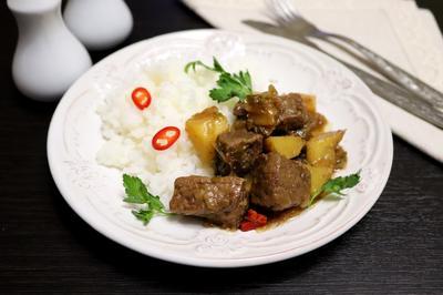 Тушеная говядина с ананасом. Рецепт приготовления с пошаговыми фотографиями