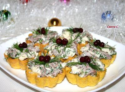 Мясной салат в тарталетках - пошаговый рецепт приготовления с фото