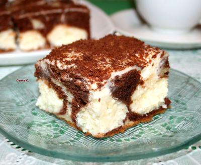 Пирог; Утренняя роса; с творожно-кокосовыми шариками, сметанным кремом и шоколадом. Пошаговый рецепт и фото