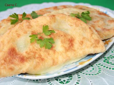 Болгарские чебуреки (ругувачки) с творогом и зеленью. Пошаговый рецепт с фото