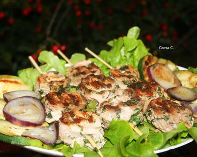 Мясные рулетики с зеленью и овощами на электрогриле - пошаговый рецепт с фото
