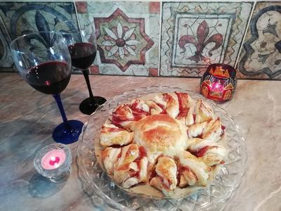 Камамбер, запечённый в слоеном тесте - лучший рецепт для романтического ужина - пошаговый рецепт приготовления с фото