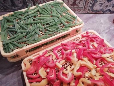 Заморозка спаржевой фасоли и болгарского перца на зиму. Фото