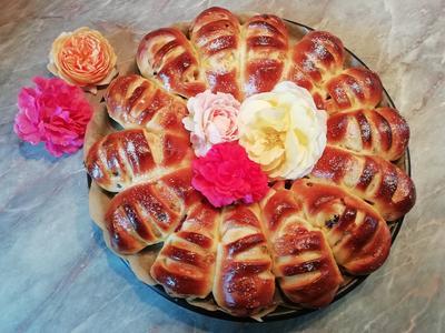 Пирог-венок из дрожжевого теста с тыквенными цукатами и яблоками. Пошаговый рецепт с фото