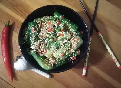 Закуска из длинноплодных огурцов, маринованных по-китайски. Пошаговый рецепт и фото