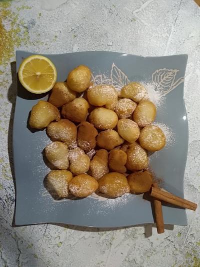 Лукумадес - пончики с лимонно-медовым сиропом. Пошаговый рецепт и фотографии