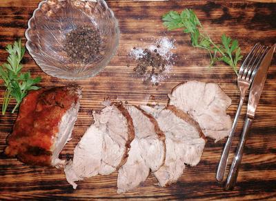 Запеченная свинина в пряных травах с кисло-сладким соусом - пошаговый рецепт приготовления с фото