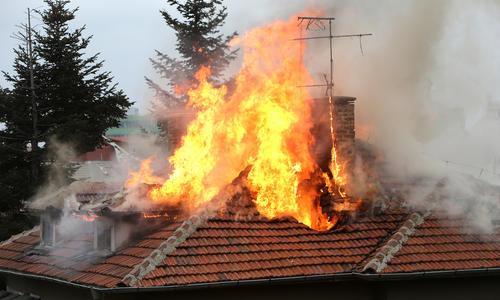 Защита дома от пожаров и затопов