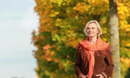 Как пережить климакс: состояние женщины в период менопаузы, как отсрочить ранний климакс, гормональная терапия
