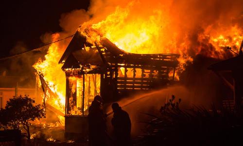 Пламенный авось. Какие ошибки при пожаре могут стоить жизни?