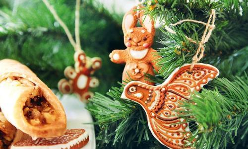 Новогодние украшения из глины