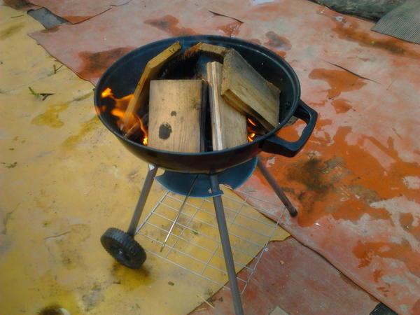 Разжигаем дровишки
