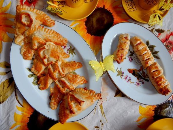 конвертики с сыром и сардельки в тесте