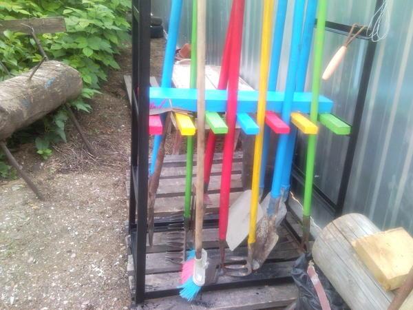 подставка под сад. инструмент