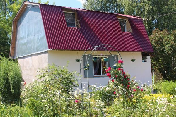 дом в цветах