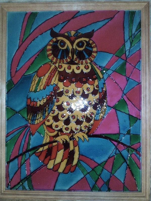 4) Наносим краску на сову и даем высохнуть несколько часов. После этого покрываем закрепляющим лаком. 5) Подарок готов! Такую рамочку можно повесить в комнате и украсить свой дом.