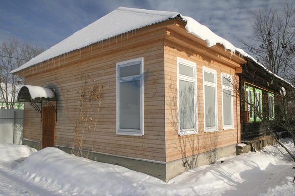 Новая пристройка столетнего дома