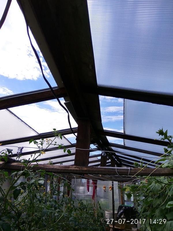 Крышу ПК теперь переделали на раздвижную и съёмную на зиму, торцы загерметизированы и закрыты профилем