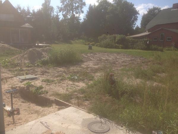 участок перед нашим домом