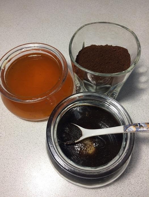 Скраб из кофейной гущи и меда