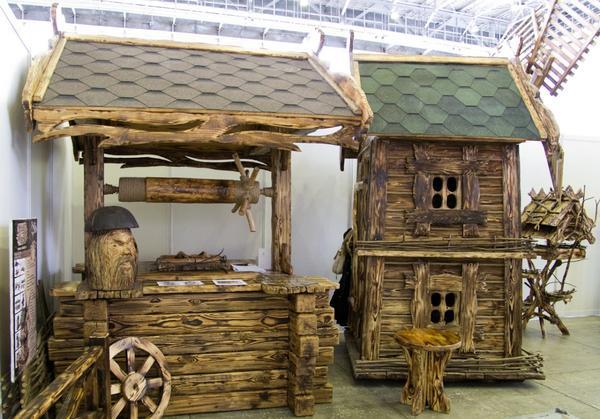 деревянные поделки на выставке Все для дачи.