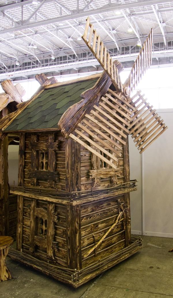 Деревянная мельница от компании Старая сказка