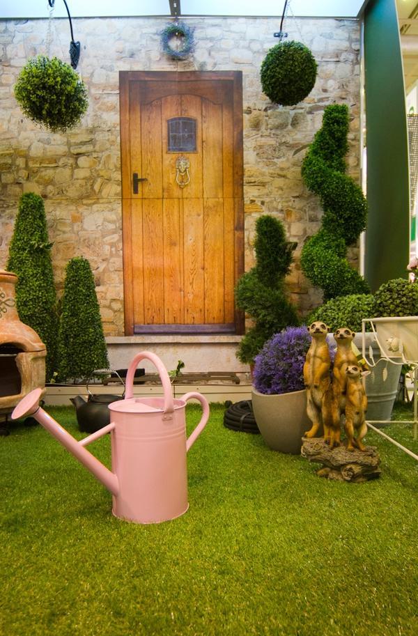 ЛЕйка и другие аксессуары для сада