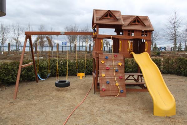 детская площадка в садовом центре
