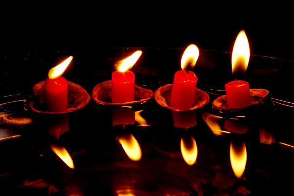 Отражения свечей на Новый год