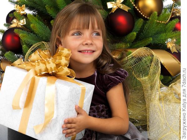 ребенок, новый год, подарок, елка