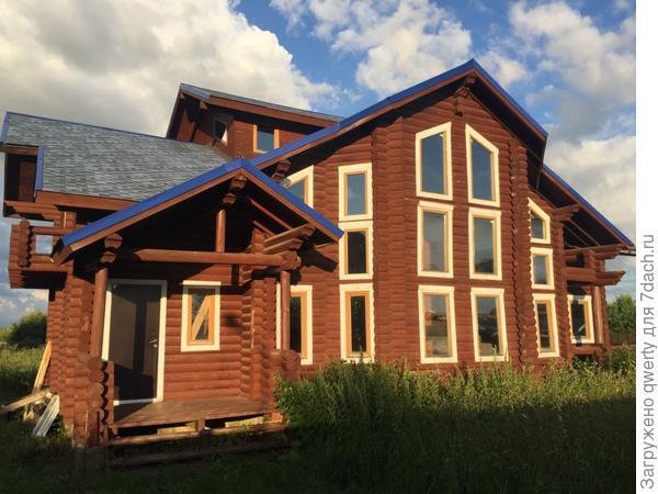 красивый деревянный дом