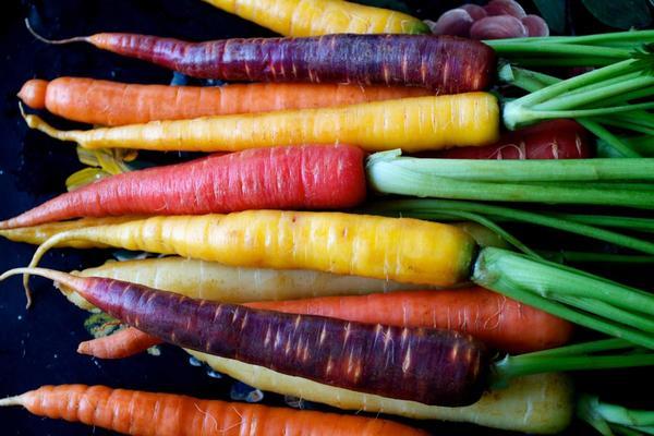 Цветная морковка