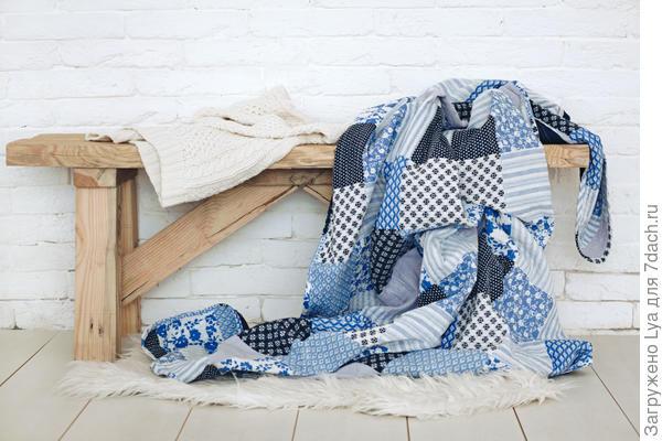 Хорошо подобранный текстиль делает дачный интерьер уютным, очень домашним и комфортным